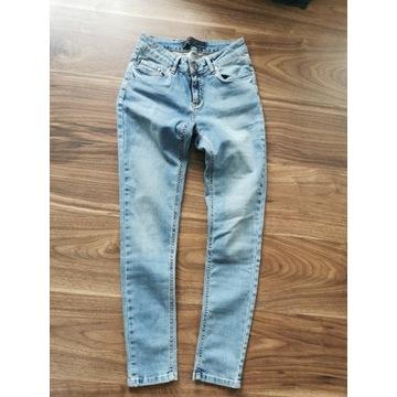 Spodnie dżinsowe gucci roz S 36