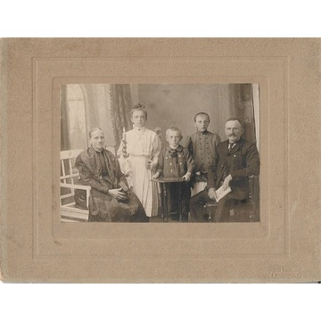 Duże zdjęcie rodzinne z pocz. XX wieku