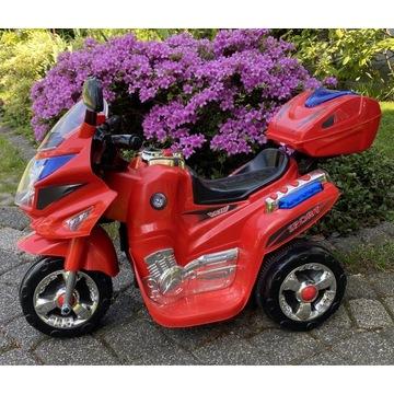 Motocykl na akumulator z światłami i dźwiękami