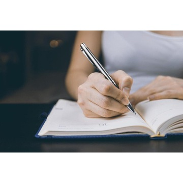 Korekta prac, referatów, sprawdzanie