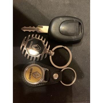 Zestaw kluczyk + dwa breloki renault