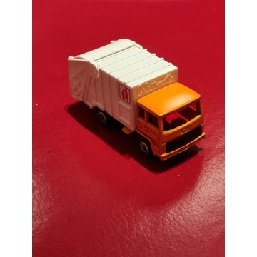 Samochodzik Matchbox Refuse Truck 36