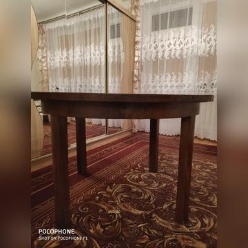 Duży rozkładany stół na 8osób