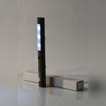 Latarka z magnesem 3 LED