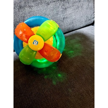 Piłka sensoryczna gra i świeci B Kids.
