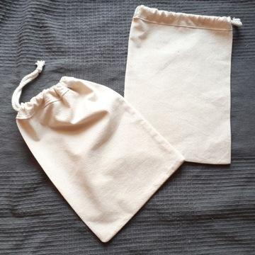 Woreczek bawełniany 20 x 28 cm na pieczywo orzechy