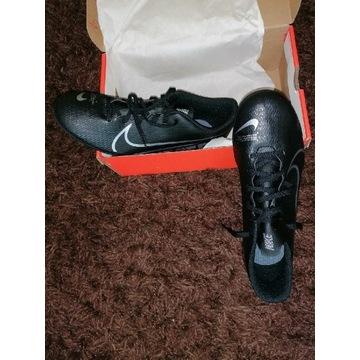 Nowe korki Nike Mercurial Vapor 13 Club FG/MG 45,5