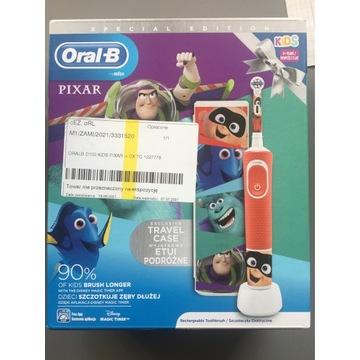 Szczoteczka OralB D100 Pixar + Case