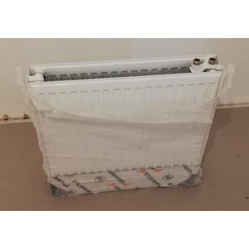 Grzejnik Purmo Ventil Compact CV22 600x600 biały