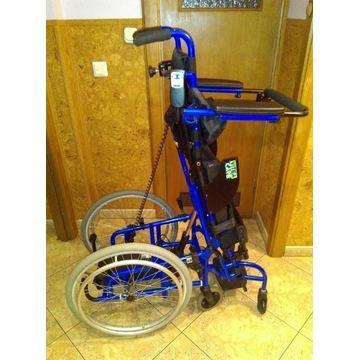 Wózek inwalidzki dziecięcy z pionizacją