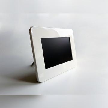 Ramka cyfrowa Samsung SPF-71ES biała