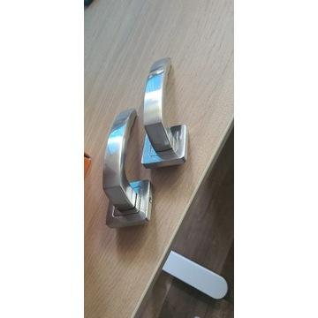 klamka drzwiowa srebrna Metal-bud MONDO szyld WC
