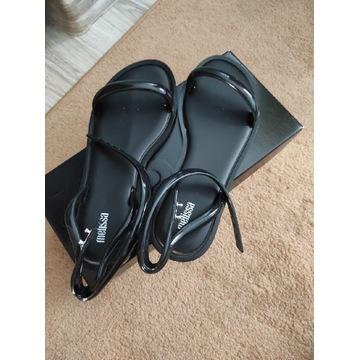 Nowe oryginalne markowe sandałki Melissa rozm. 39