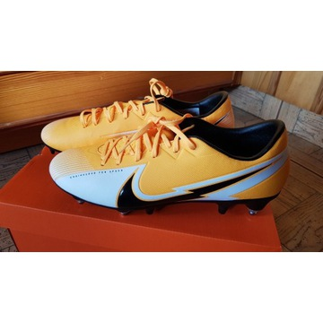Nowe korki Nike VAPOR 13 ACADEMY SG-PRO AC  r. 42
