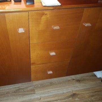 Klasyczna komoda i szafka