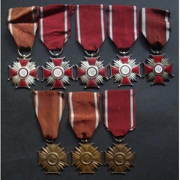 Krzyż Zasługi PRL - Zestaw 8 sztuk.