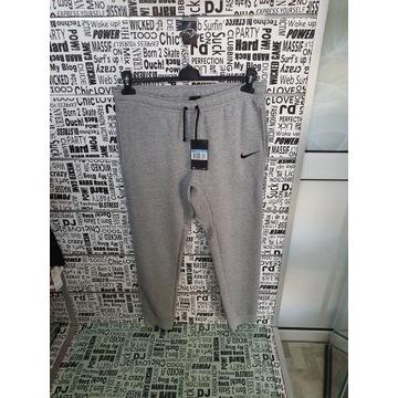Spodnie dresowe męskie marki Nike