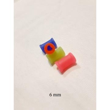 PLUG TUNEL SILIKON czerwone serce zielony 6 mm