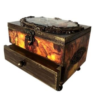 Szkatułka drewniana z lusterkiem i szufladką