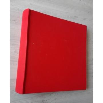 ALBUM na wklejane zdjęcia 30X30/ Piękna czerwień.