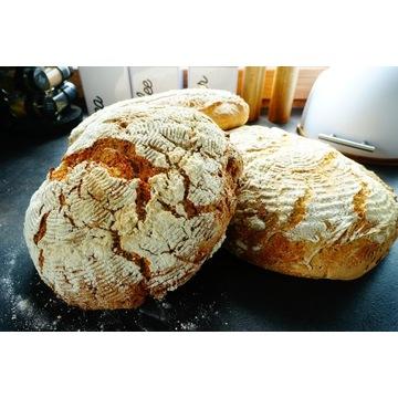 Tradycyjny chleb na zakwasie pszenny żytni razowy