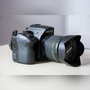 Pentax K-30 z obiektywem SMC Pentax-DA