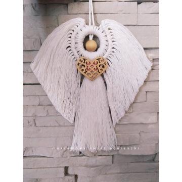 Anioł makramowy z Sercem ozdoba makrama na Święta