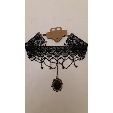 Nowy naszyjnik koronkowy z kameą