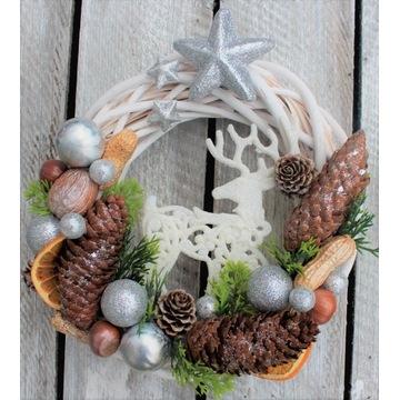 Wianek świąteczny, dekoracja okna, srebrny glamour