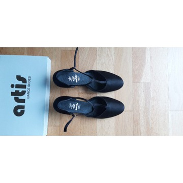 Prefesjonalne buty do tańca (rozmiar 40)
