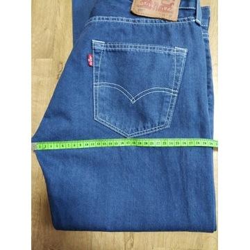 Levi`s spodnie 511
