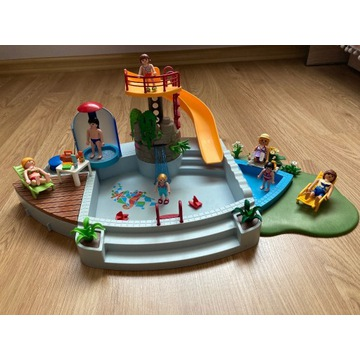 Basen ze zjeżdżalnią Playmobil