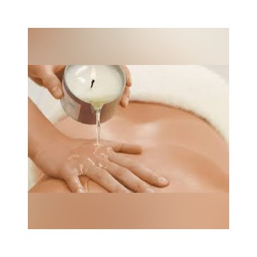 oferuje masaże  leczenie skolioz i rehabilitacje