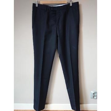 Czarne eleganckie spodnie męskie Zara