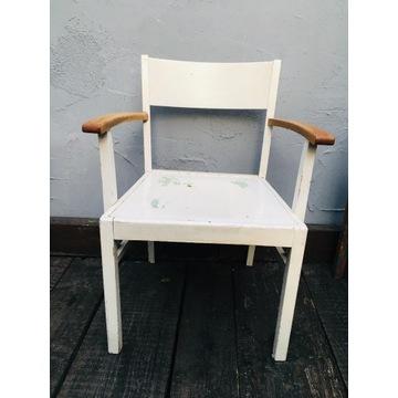 Stary fotel krzesło