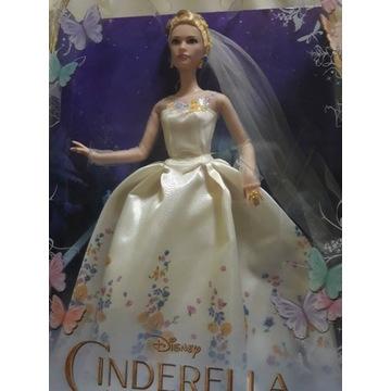 Lalka Barbie w sukni balowej