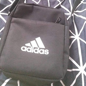 Nerka/listonoszka marki Adidas