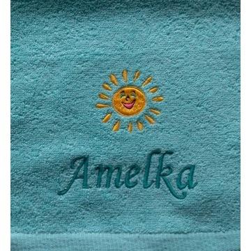 Ręcznik 30x50 z haftem imienia Amelka upominek