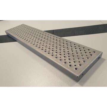 Stopień schodowy metalowy perferowany 112x27
