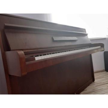 """Pianino """"Legnica"""""""