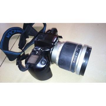 Aparat analogowy Minolta MAXXUM 400si plus dodatki