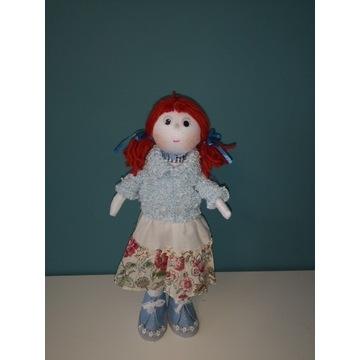 Lalka Tilda w niebieskim sweterku i pięknej sukni