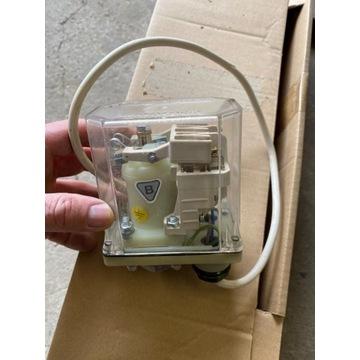 Elektro mechaniczny wyłącznik urządzeń