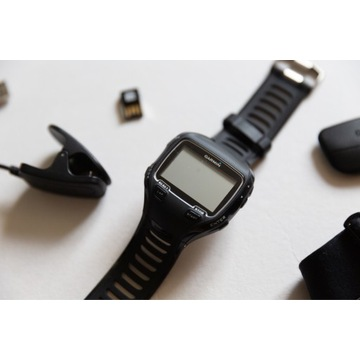 Garmin Forerunner 910XT zegarek sportowy tętno