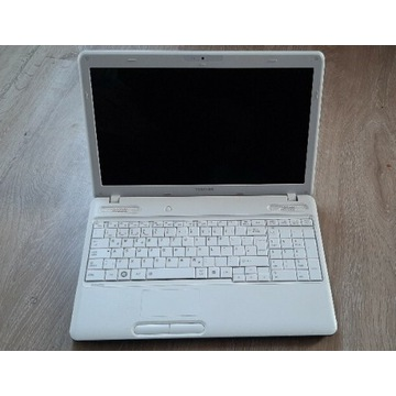 Laptop Toshiba satellite c660d sprawny