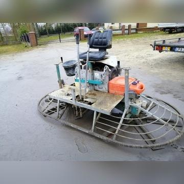 Zacieraczka do betonu samojezdna dwu wirnikowa