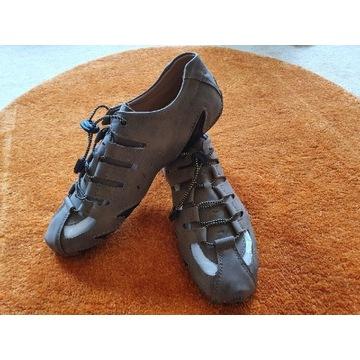 Lekkie otwarte buty / sandały beżowe, 44