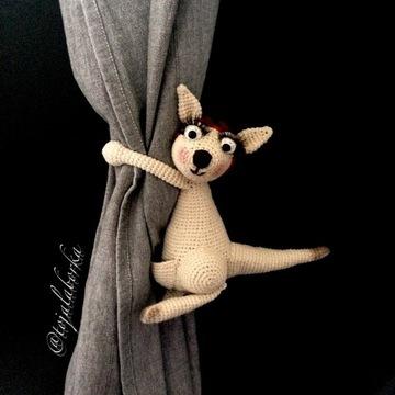 Upinacz na zasłony firany okno kangur prezent