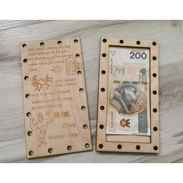 kartka drewniana na 18-nastke  PREZENT - Warianty