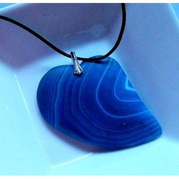 Matowy agat kolisty, niebieskie serce w srebrze